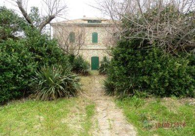 Villa Lugaresi | Adriacase